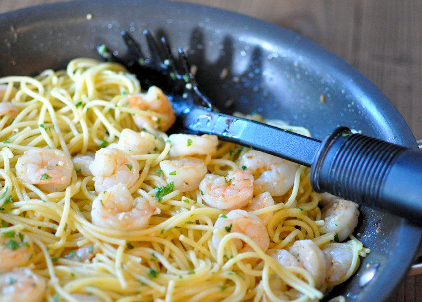 Lemon Fennel Shrimp with Spaghetti in a black skillet