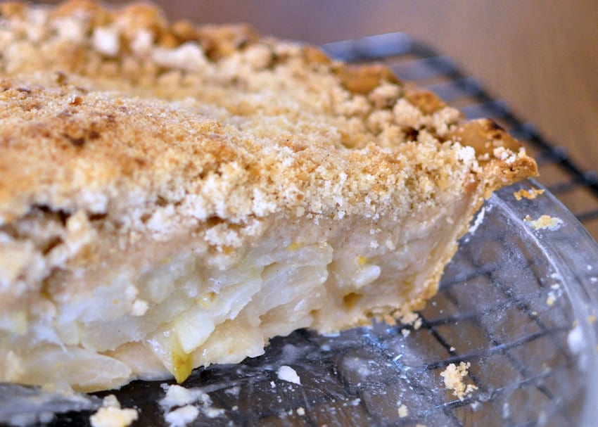 Pear-Ginger Pie with Crumb Topping