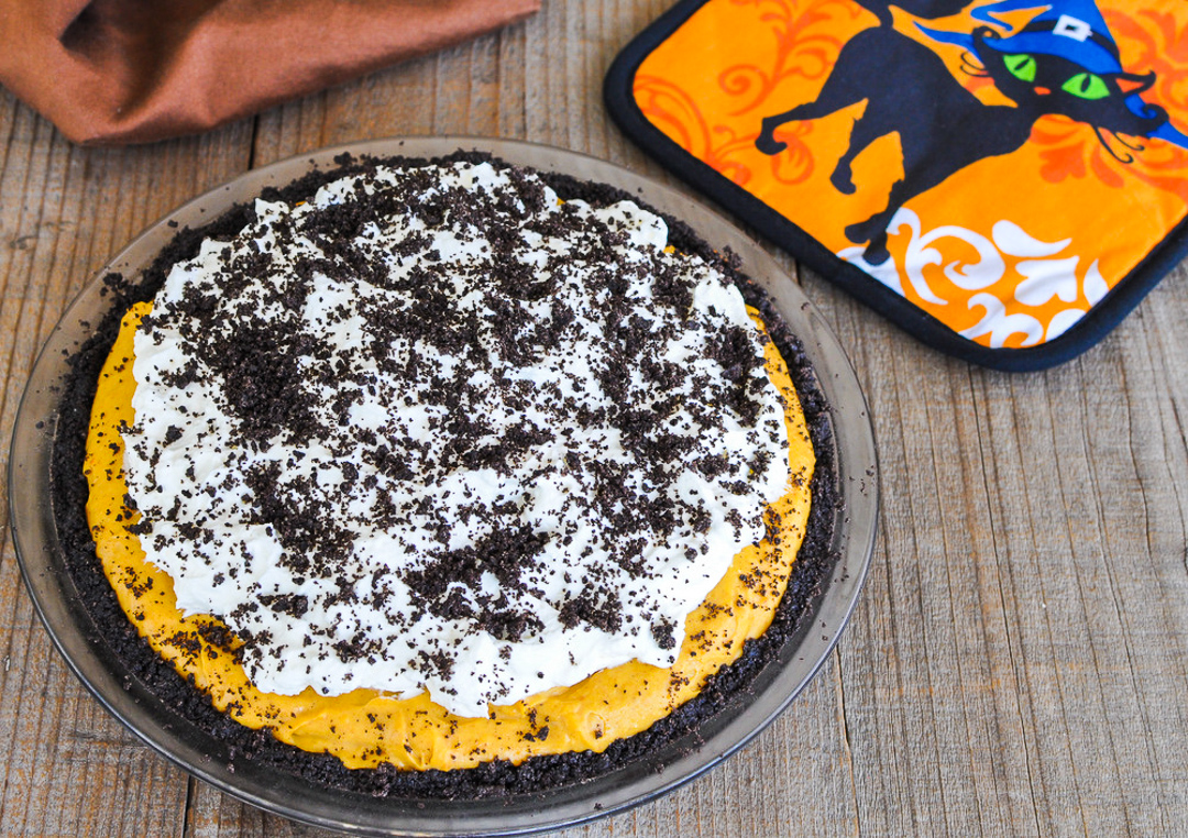 no bake cheesecake in a pie plate